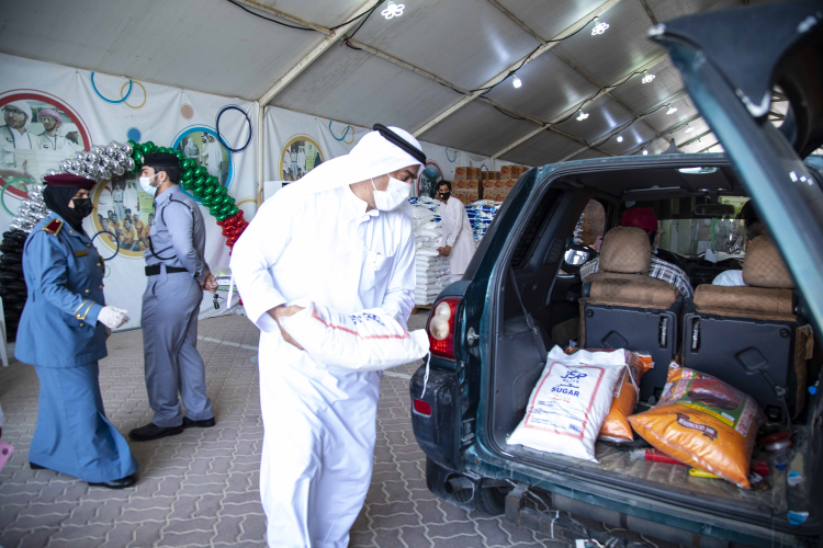 The needy families Committee distributes the Ramadan Basket to 1,600 cases in Umm Al Quwain